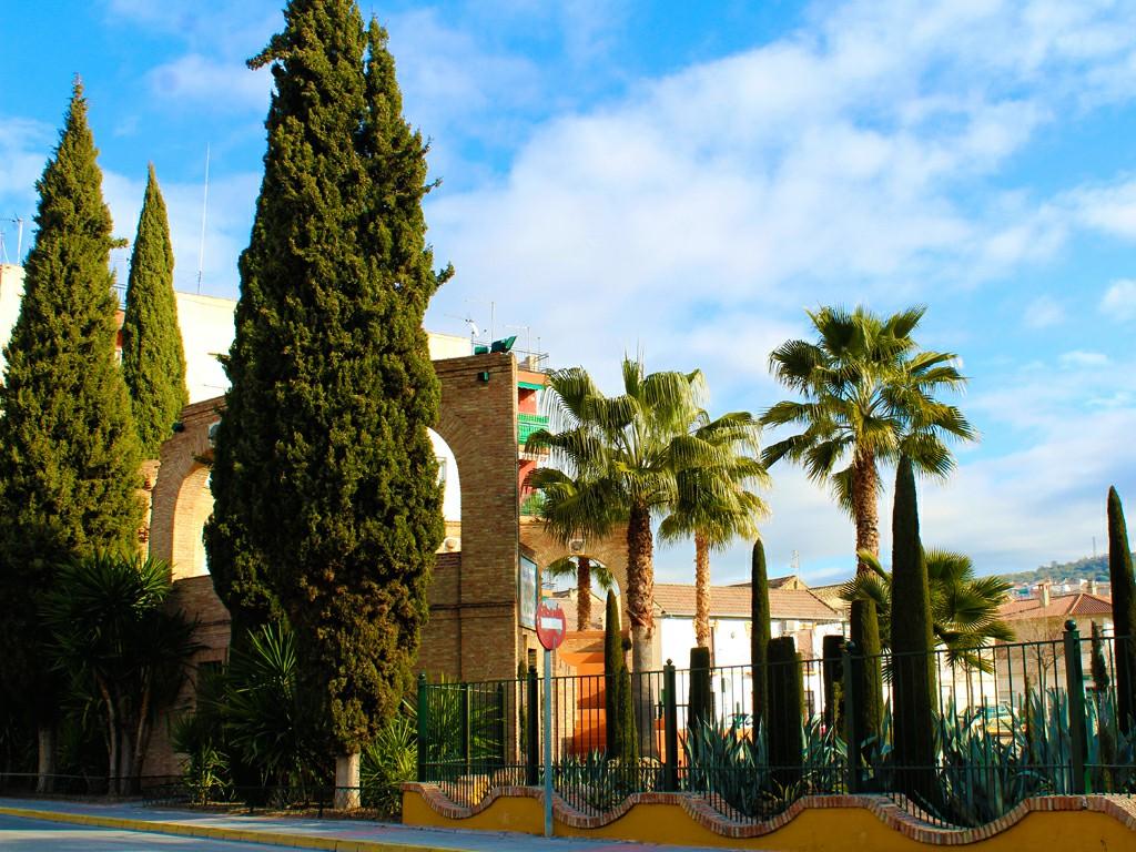 Lateral del Parque de Tranvías de Pinos Puente